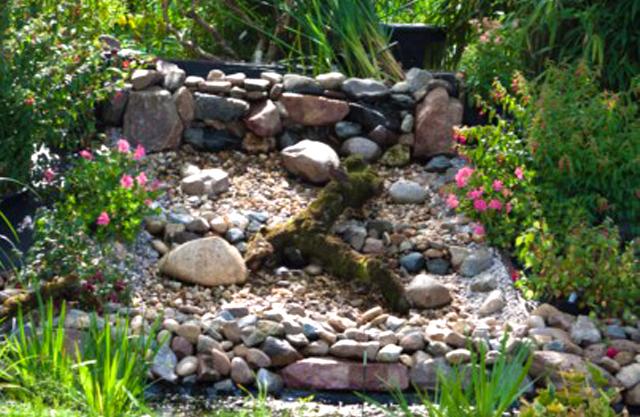 A d hoveniers vijverbouw for Waterval vijver aanleggen